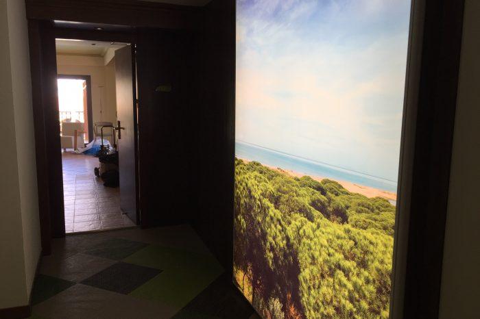 hotel sensimar pasillo