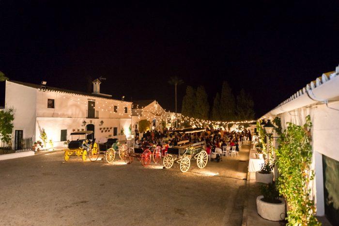 iluminación de carruajes en boda finca de jerez